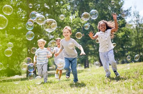 How to Make Homemade Giant Bubbles Tips.